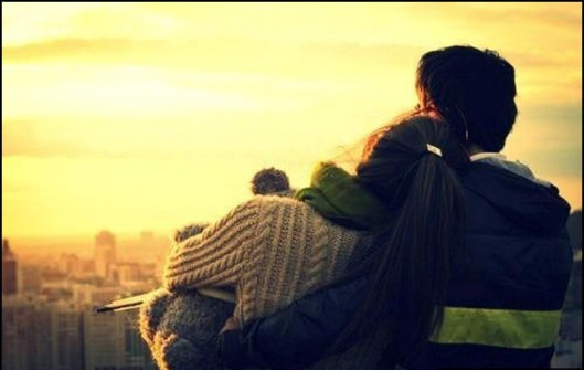 hug-sad-couple-love-sunset